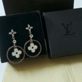 Louis Vuitton Hooked Sterling Golden Round Earrings Set Price In Pakistan