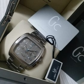Guess Square Frame Dim Metallic Men Watch Price In Pakistan